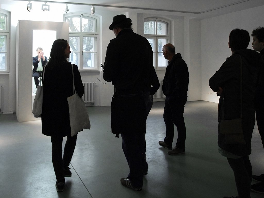 A DURATIONAL CLAP II, long durational installation 2016